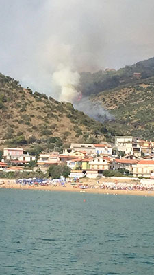 Incendio castellabate collina bruciata 2
