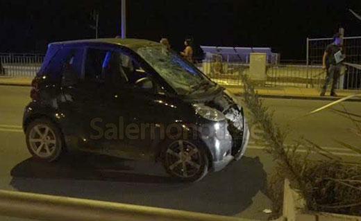 Incidente sul lungomare di Salerno, ragazza travolta da un'auto. E' grave