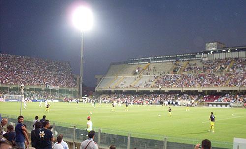 Stadio_Arechi_interno_notte_prato