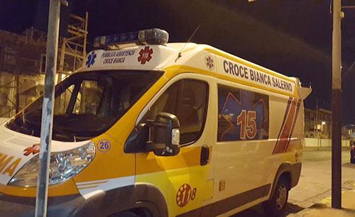 Salerno, noto vigile urbano di Salerno tenta il suicidio. Immediati i soccorsi