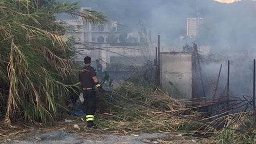 Incendio_Zona_Industriale_2_Vigili_del_Fuoco