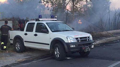 Incendio_Zona_Industriale_3_Vigili_del_Fuoco