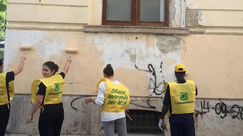 Puliamo il mondo, a Trani in piazza anche detenuti ed extracomunitari