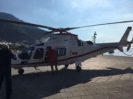 amalfi-ambulanza-darsena-2-elisoccorso