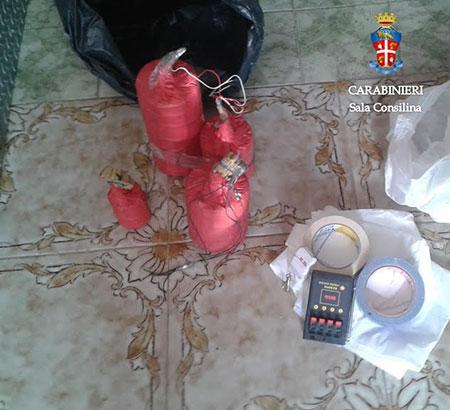 bombe-carta-ordigno-carabinieri