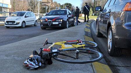 ciclista-investito-carabinieri