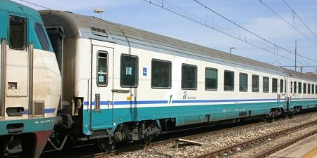 treni binari treno