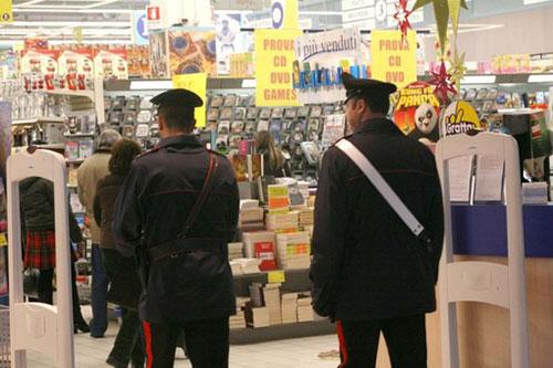 carabinieri_supermercato