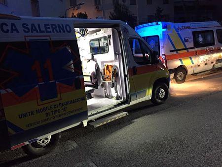 ambulanza-croce-bianca-notte