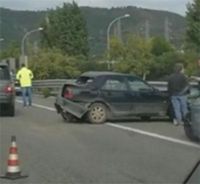 Scontro tra due veicoli sulla Salerno-Reggio Calabria, un morto e un ferito
