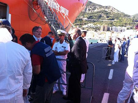 Ancora sbarchi al porto di Salerno: arrivano altri 1.400 migranti