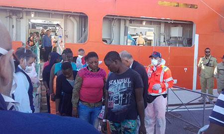 sbarco_5ott2016_migranti2