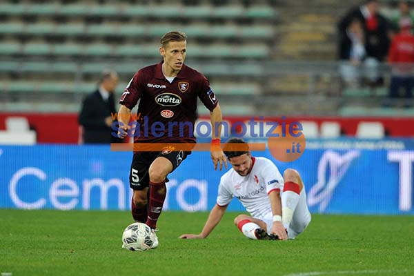 bari_salernitana18