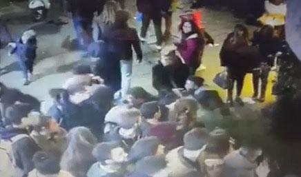 folla-tensione-napoli-caos