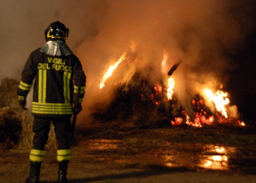 incendio-fienile