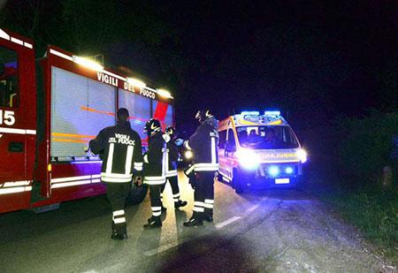 incidente-stradale-ambulanza-vigili-del-fuoco