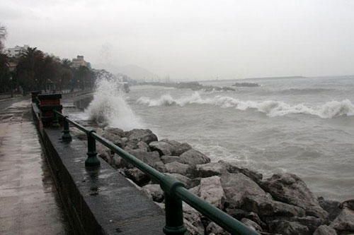 Campania, allerta meteo per domenica: previsti temporali