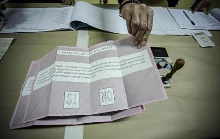 Italia: dalle 7 aperti i seggi per il referendum