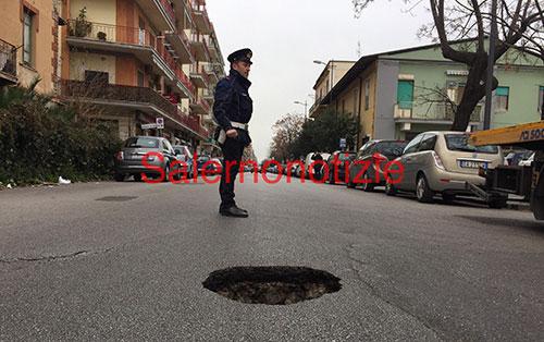 voragine_strada_lungomare_2