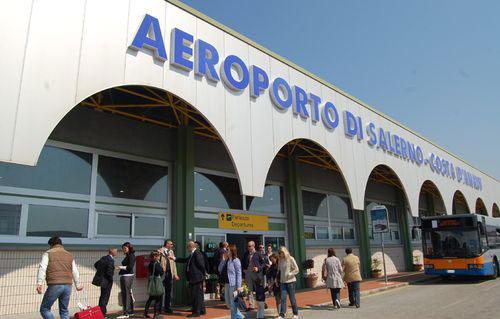 Aeroporto Salerno : Aeroporto di salerno rientrano le dimissioni ferraro