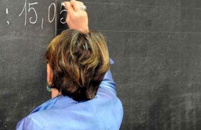 Professoressa arriva a scuola ubriaca