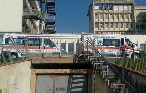 Salerno Precipita Nel Vuoto Al Ruggi Donna Muore Sul Colpo