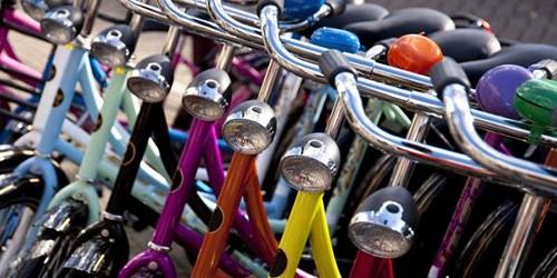 Bici: casco, targa e assicurazione diventano obbligatori?