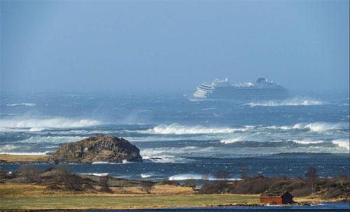 Norvegia, nave da crociera in avaria: da evacuare 1300 persone
