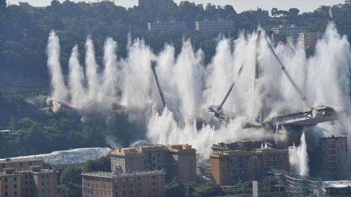 Ponte Morandi: famiglie vittime chiedono stop a concessioni