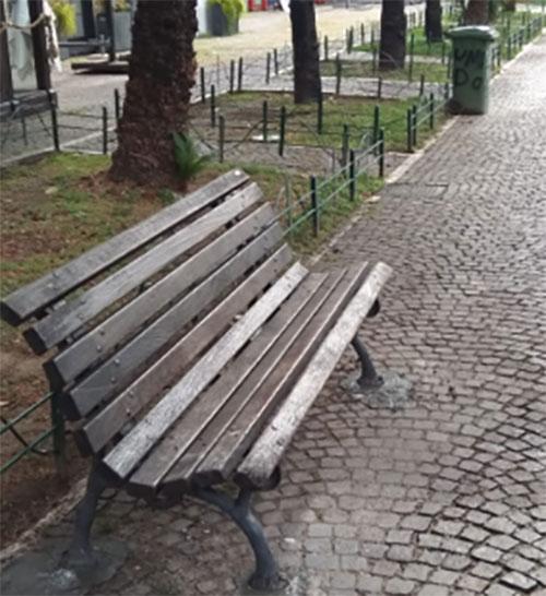 Panchine Da Esterno Roma.Panchina Pubblica Riposizionata In Via Roma Intervento Comunali
