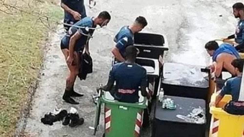 Napoli: Crioterapia nei bidoni dell'immondizia? Il club fa chiarezza